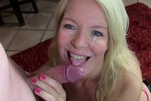 Reife MILF Fotze KissiKissi Blowjob Sextrailer kostenlos
