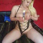 Sexyjaqueline Dildoritt auf dem Glasnoppendildo mit Orgasmus