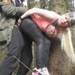 LunaLove96 nach dem Pissen im Wald Outdoorfick mit User