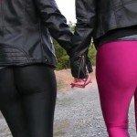 Bonnie-Stylez mit Freundin Lara Outdoor wichsen mit Minivibrator